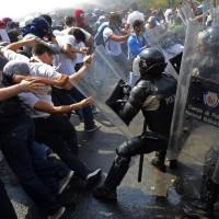 Si la Casa Blanca no actúa con celeridad y firmeza, Venezuela va a colapsar