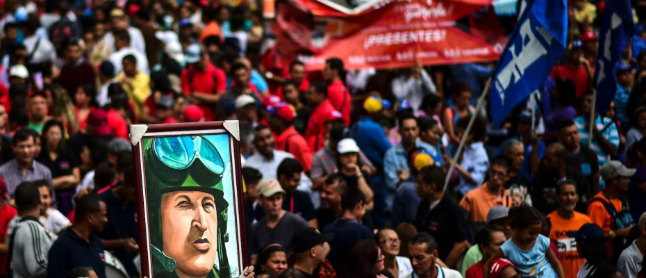 VENEZUELA-CRISIS-PRO-GOVERNMENT-SUPPORTERS